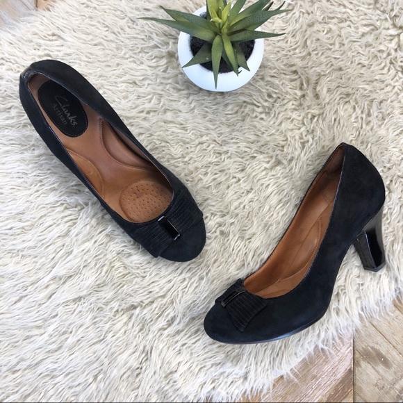40fce29956 Clarks Shoes | Black Suede Patent Bow Bristol Pump Heel | Poshmark